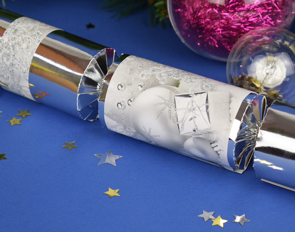 8 silver foil christmas make fill your own party crackers craft image is loading 8 silver foil christmas make amp fill your solutioingenieria Gallery